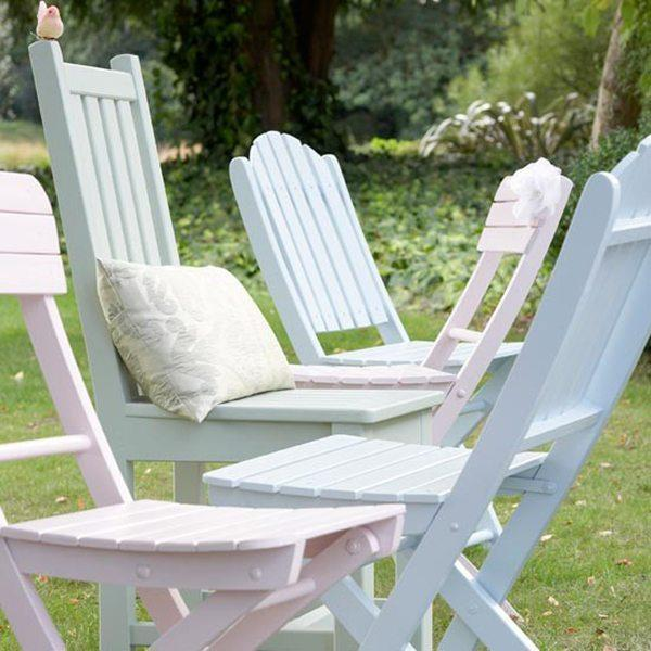 """<p>With a quick lick of colourful paint you can completely transform your old outdoor furniture from dreary, to delightful. <a href=""""http://www.hearthandmade.co.uk/garden-furniture-makeover/"""" rel=""""nofollow noopener"""" target=""""_blank"""" data-ylk=""""slk:[Photo:Hearthandmade]"""" class=""""link rapid-noclick-resp"""">[Photo:Hearthandmade] </a> </p>"""