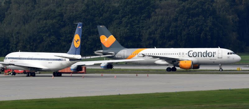 FILE PHOTO: An Airbus A320 of Condor Airlines lands at the airport in Hamburg