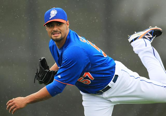 Johan Santana barely topped 80 mph during workout for seven MLB teams