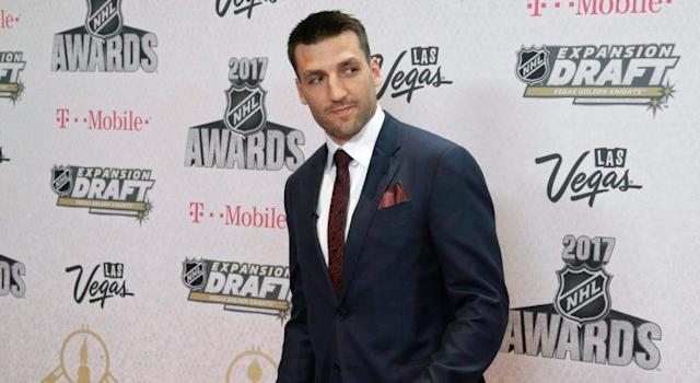 "<a class=""link rapid-noclick-resp"" href=""/nhl/players/3383/"" data-ylk=""slk:Patrice Bergeron"">Patrice Bergeron</a> won his record-tying fourth Selke Trophy at the NHL Awards. (AP Photo/John Locher)"