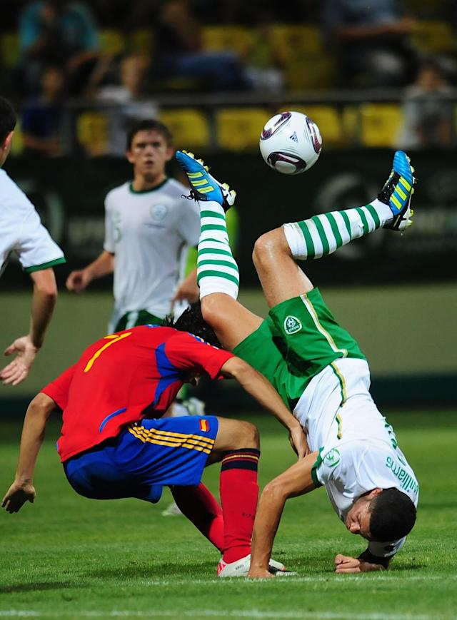 Alvaro Morata (L) of Spain vies for the ball with Derrick Williams (R) of Ireland during their UEFA European Under-19 Championship football match, near the village of Chiajna village, outside of Bucharest, on July 29, 2011. AFP PHOTO/DANIEL MIHAILESCU (Photo credit should read DANIEL MIHAILESCU/AFP/Getty Images)