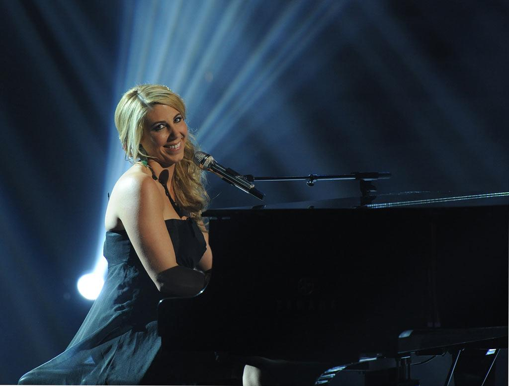 """Elise Testone performs """"One and Only"""" by Adele on """"American Idol."""""""