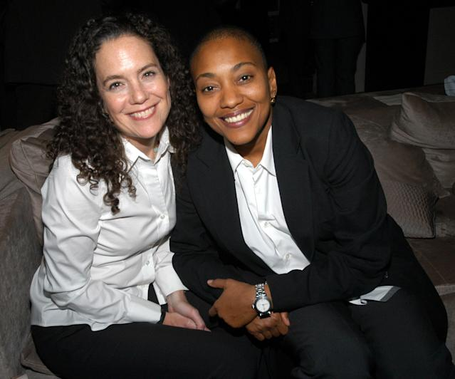 Crawford, right, in 2003 with her wife, Lisa Hintelmann. (Photo: Getty Images)
