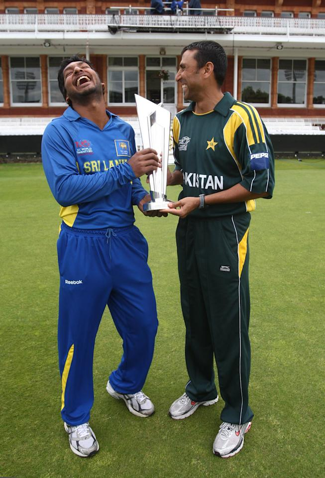 LONDON - JUNE 20:   Captain Kumar Sangakkara (L) of Sri Lanka and captain Younus Khan (L) of Pakistan pose with the Twenty20 trophy at Lords Cricket Ground on June 20, 2009 in London, England. (Photo by Getty Images)