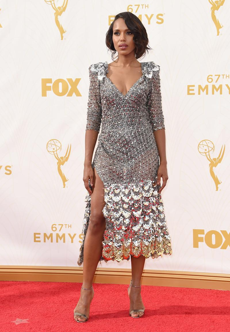 Kerry Washington, in Marc Jacobs, arrives at the 67th Annual Primetime Emmy Awards at Microsoft Theater on September 20, 2015 in Los Angeles, California.