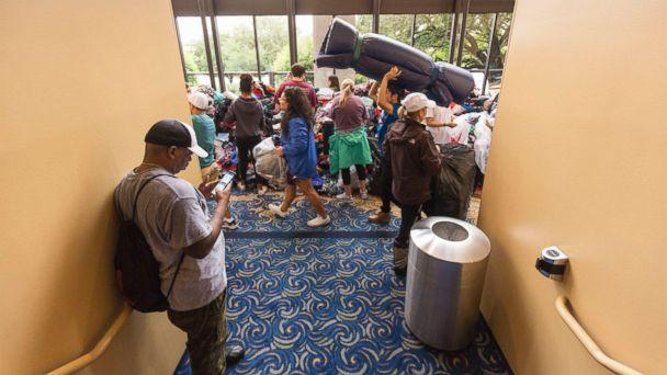 PHOTO: Lakewood megachurch opened its doors for donations and evacuees as volunteers brought donated items to the megachurch in the aftermath of Hurricane Harvey, Aug. 29, 2017, in Houston. (F. Carter Smith/Splash)
