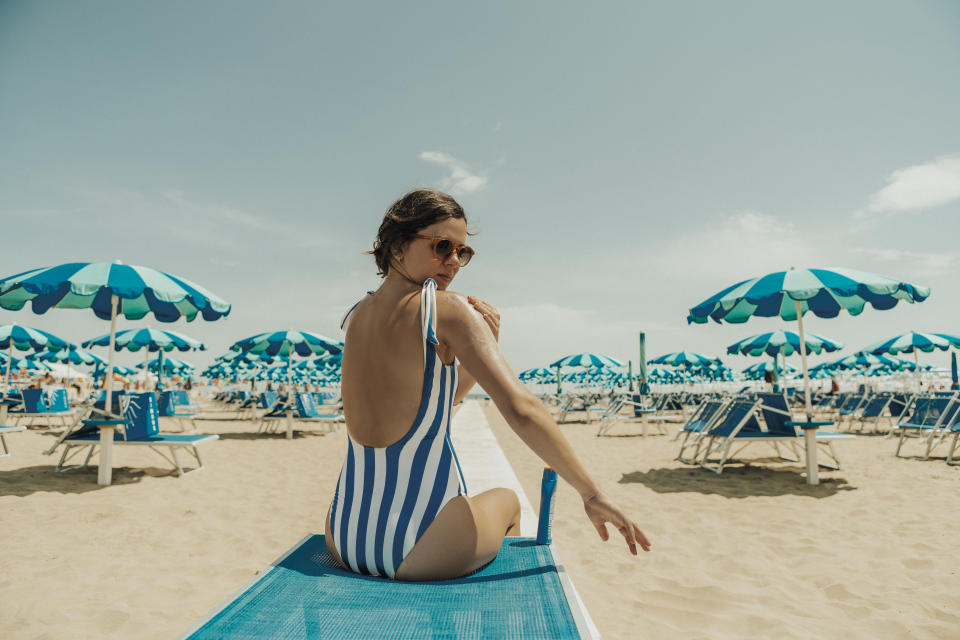A Florida state senator is proposing a new bill that would require people to get a physician's prescription for chemical sunscreen. (Photo: Getty Images)