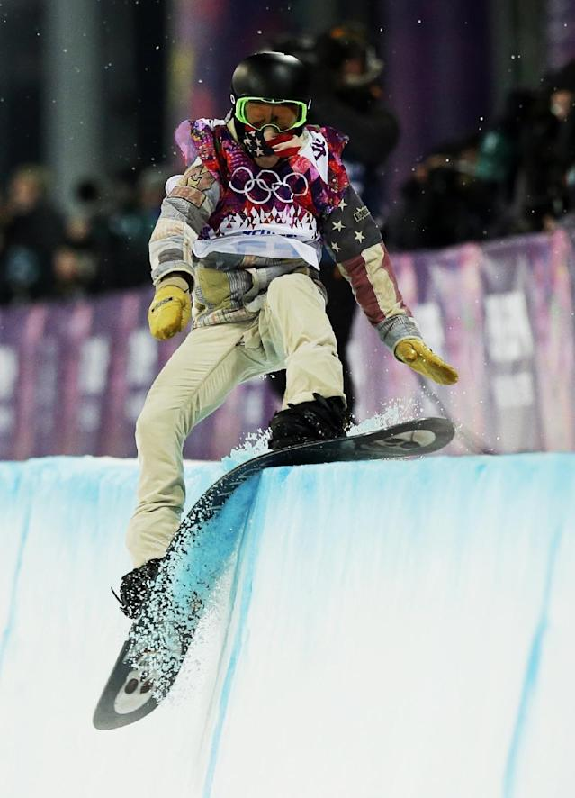 10ThingstoSeeSports - Shaun White, of the United States, hits the edge of the half pipe during the men's snowboard halfpipe final at the Rosa Khutor Extreme Park, at the 2014 Winter Olympics, Tuesday, Feb. 11, 2014, in Krasnaya Polyana, Russia. (AP Photo/Andy Wong, File)
