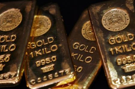 Gold heads for first weekly gain in 4 as attention shifts to Fed
