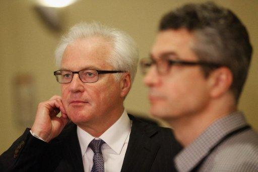 Russian Ambassador to the United Nations Vitaly Churkin (L)