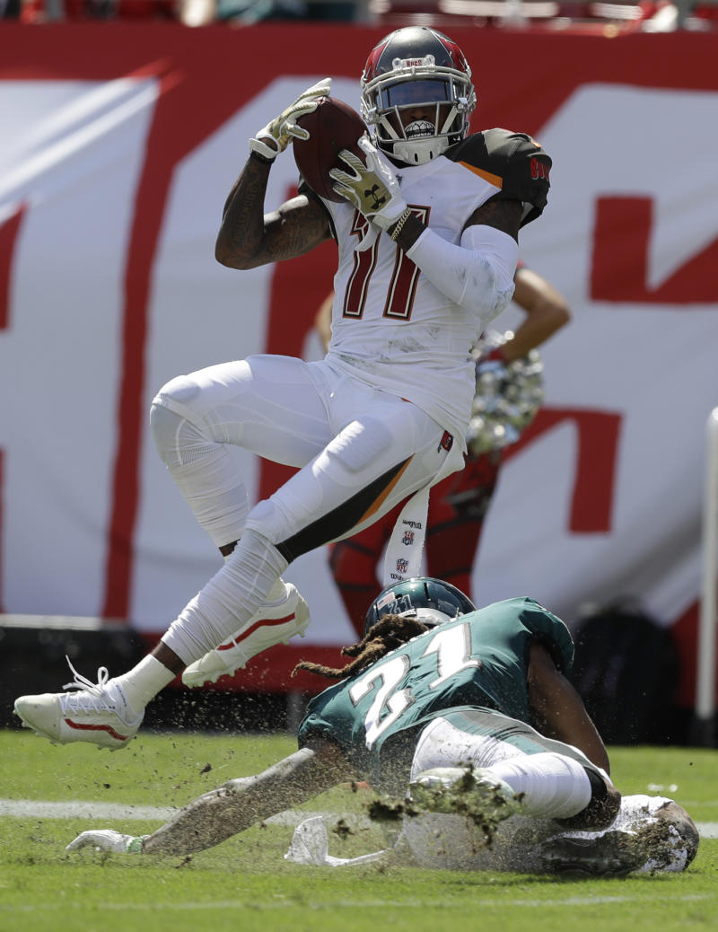 half off d5912 7bdab DeSean Jackson, surprising Buccaneers off to blazing start