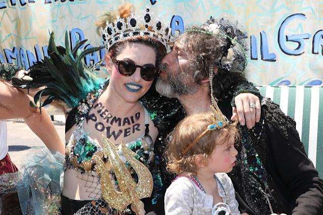 Amanda Palmer, Neil Gaiman, and Anthony Gaiman attend the 2018 Coney Island Mermaid Parade on June 16, 2018 in New York City. (Photo by Taylor Hill/Getty Images)