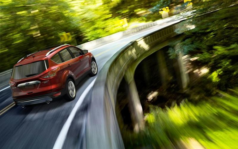 2015 ford escape compact suv offers fuel economy carlike ride. Black Bedroom Furniture Sets. Home Design Ideas