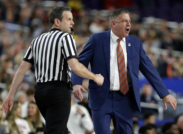 Auburn head coach Bruce Pearl has opted not to criticize the officials after his team's controversial Final Four loss. (AP Photo/David J. Phillip)