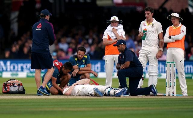 Steve Smith required treatment after taking a blow to the neck