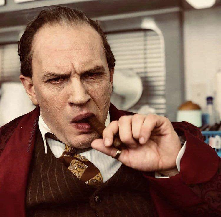 tom hardy al capone Heres your first look at Tom Hardy as Al Capone in Fonzo
