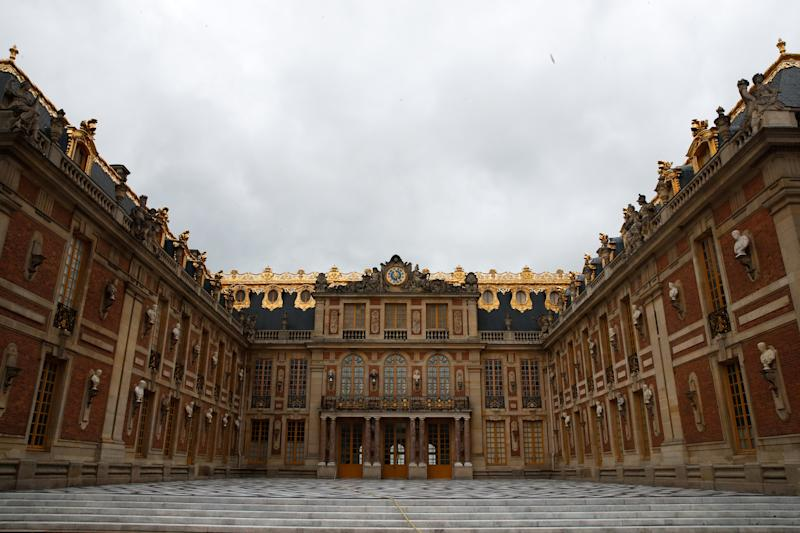A view shows the front entence of the Chateau de Versailles (Versailles palace) on the eve of its reopening with health and safety measures for visitors and staff in Versailles, near Paris, following the outbreak of the coronavirus disease (COVID-19) in France, June 5, 2020. REUTERS/Gonzalo Fuentes