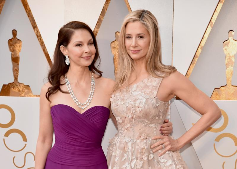 Ashley Judd and Mira Sorvino arrive for the 90th Annual Academy Awards. (Kevin Mazur via Getty Images)
