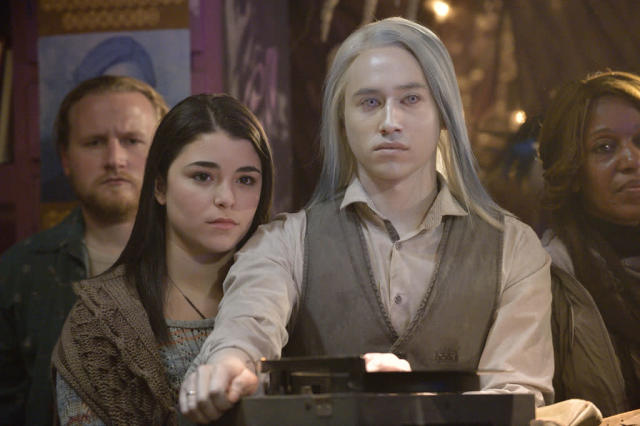 "Nicole Munoz as Christie McCawley and Jesse Rath as Alak Tarr in the ""Defiance"" epsiode, ""Past is Prologue."""