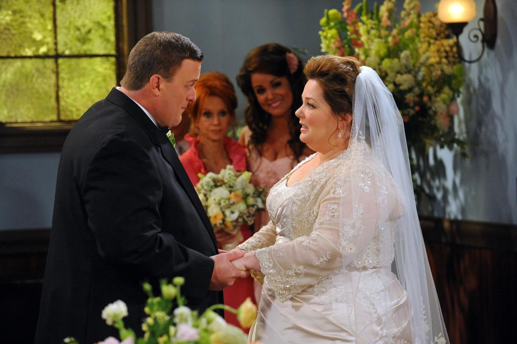 "<b>""Mike & Molly""</b><br><br>Monday, 5/14 at 9:30 PM on CBS<br><br><a href=""http://yhoo.it/IHaVpe"">More on Upcoming Finales </a>"