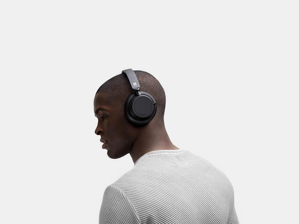 The Surface Headphones 2 feature noise-cancelling technology, and 20 hours of battery life. (Image: Microsoft)