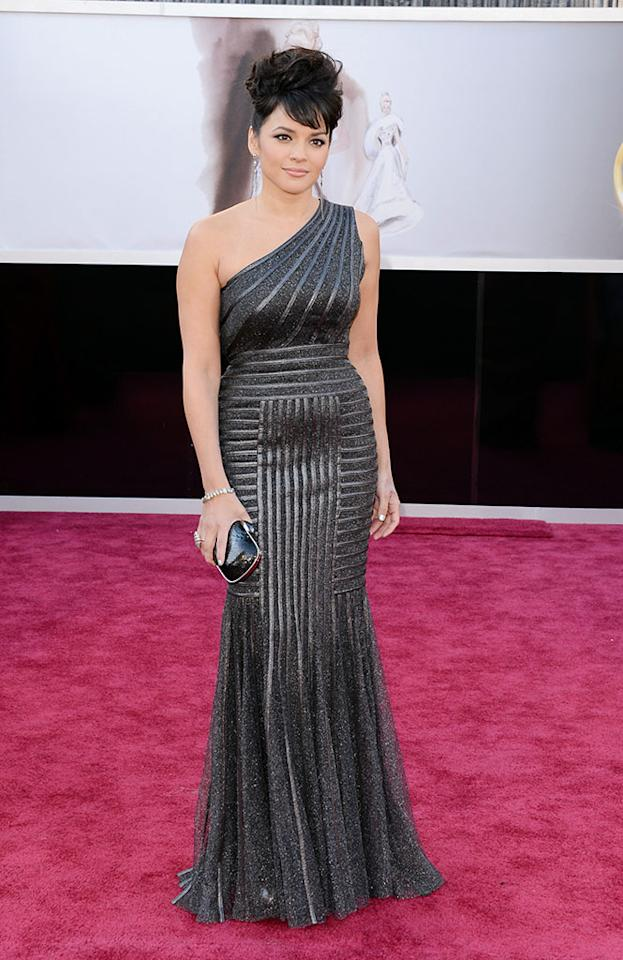 Norah Jones arrives at the Oscars in Hollywood, California, on February 24, 2013.