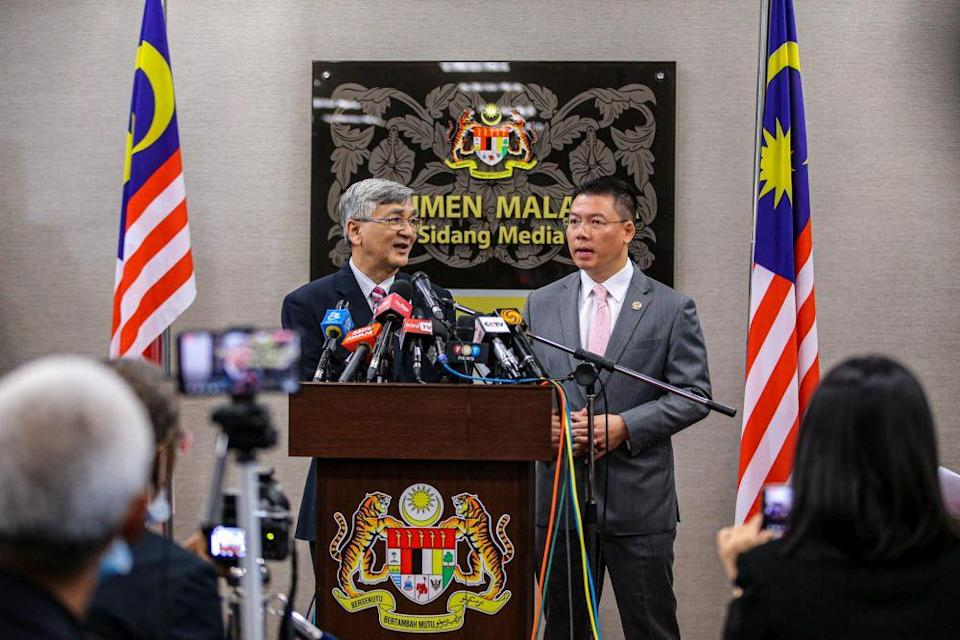 Former Dewan Rakyat Speaker Tan Sri Mohamad Ariff Md Yusof addresses reporters during a press conference at Parliament July 13, 2020. — Picture by Hari Anggara