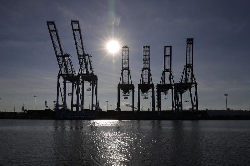 U.S. Trade Deficit Narrows In Line With Estimates In September