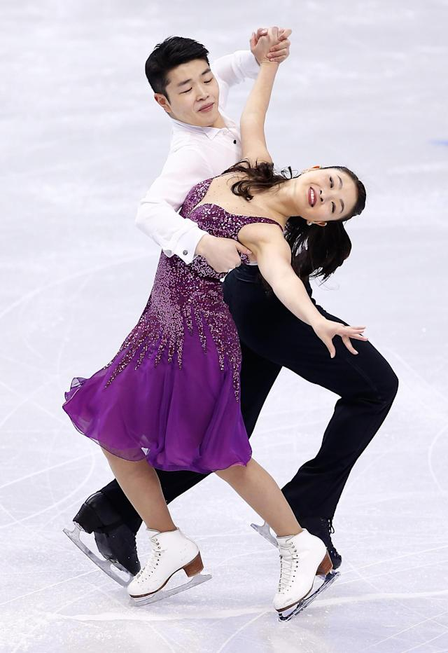 BOSTON, MA - JANUARY 10: Maia Shibutani and Alex Shibutani skate in the short dance program during the 2014 Prudential U.S. Figure Skating Championships at TD Garden on January 10, 2014 in Boston, Massachusetts. (Photo by Jared Wickerham/Getty Images)