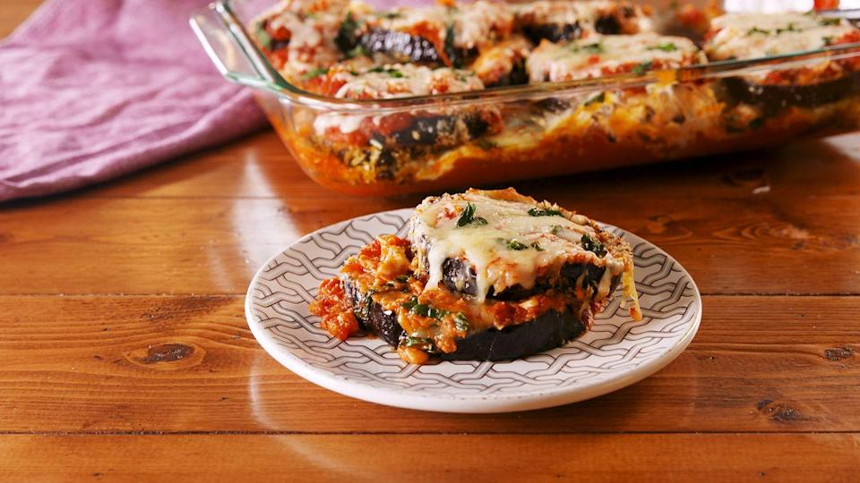 "<p>The healthier way to get your eggplant parm fix.</p><p>Get the recipe from <a href=""https://www.delish.com/cooking/recipe-ideas/a22698129/baked-eggplant-parm-recipe/"" rel=""nofollow noopener"" target=""_blank"" data-ylk=""slk:Delish"" class=""link rapid-noclick-resp"">Delish</a>.</p>"