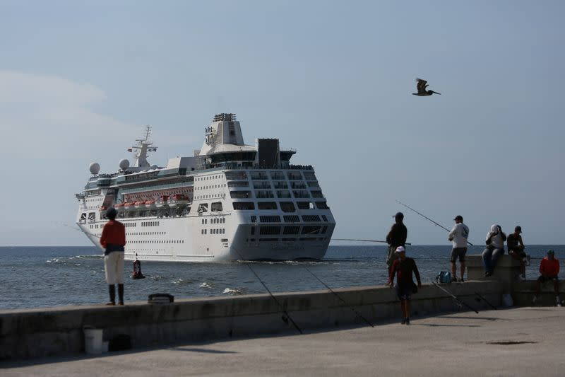 Royal Caribbean suspends global operations after virus outbreak