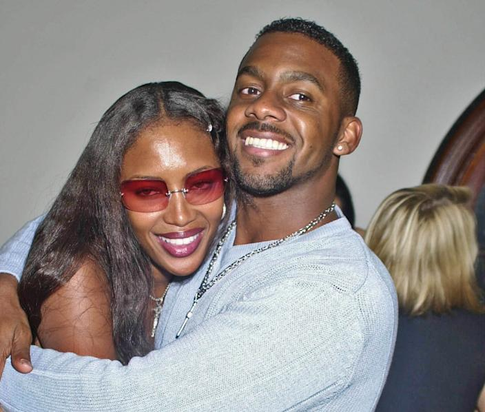 Richard Blackwood with step-sister Naomi Campbell in 2001. (Getty Images)