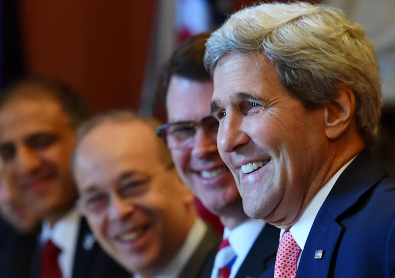 US Secretary of State John Kerry (R) during the start of AUSMIN talks at Admiralty House in Sydney on August 12, 2014 (AFP Photo/Dan Himbrechts)