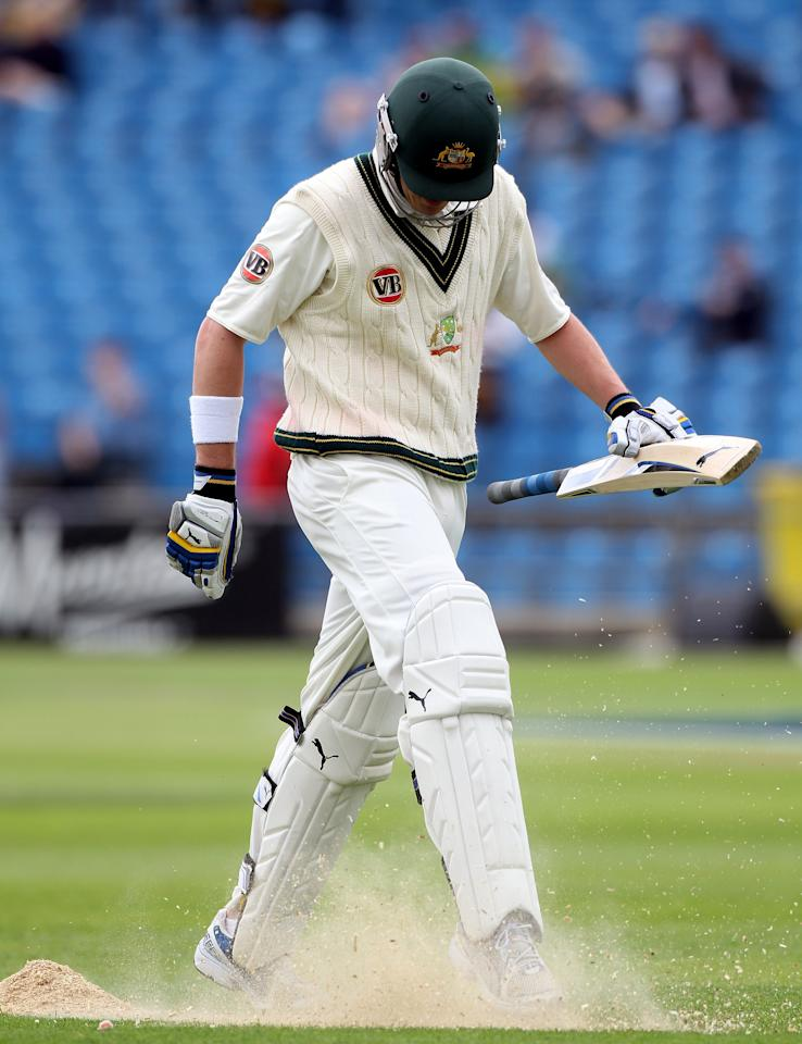 LEEDS, ENGLAND - JULY 21:  Marcus North of Australia walks off after his dismissal during day one of the 2nd Test between Pakistan and Australia at Headingley Carnegie Stadium on July 21, 2010 in Leeds, England.  (Photo by Julian Herbert/Getty Images)