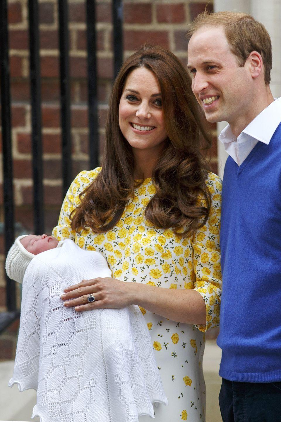 <p>The Duke and Duchess of Cambridge pose for photos outside The Lindo Wing with their newborn.</p>