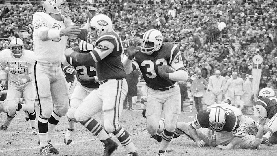 Pete Lammons, pictured here fending off Oakland Raiders' linebacker Gus Otto.