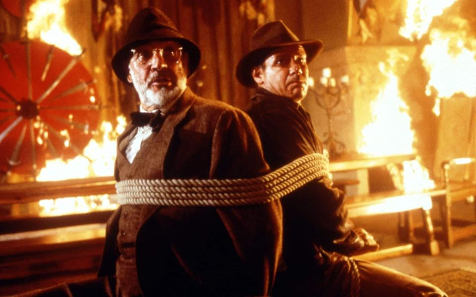 Sean Connery and Harrison Ford in Indiana Jones and the Last Crusade - Alamy