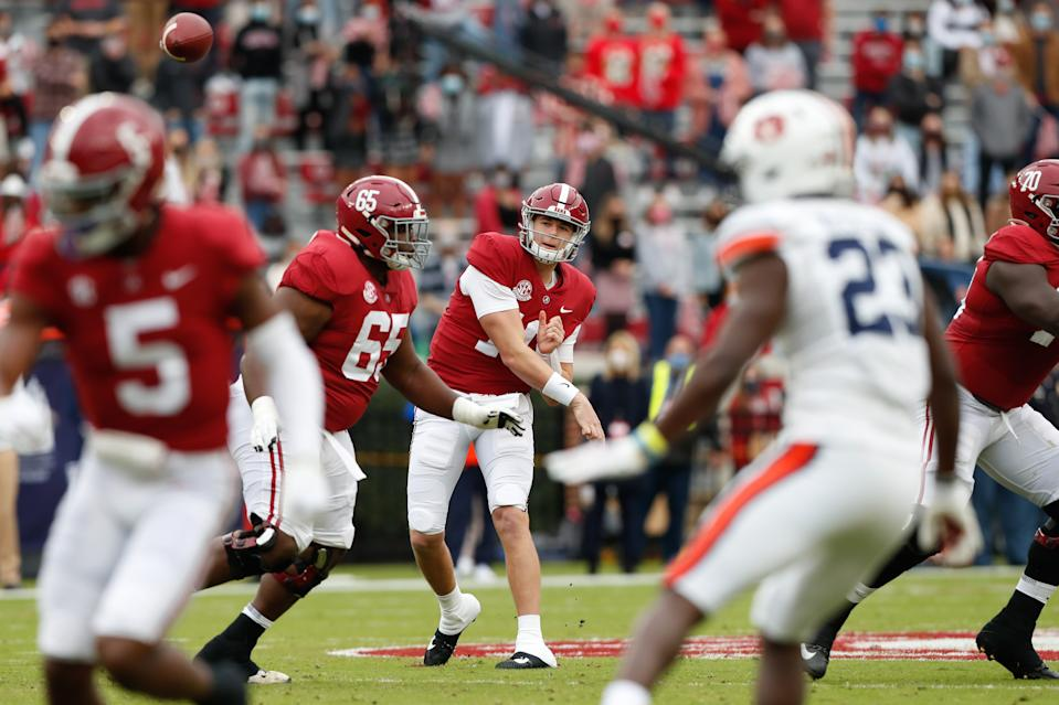 Alabama QB Mac Jones throws a pass against Auburn on Nov. 28, 2020. (UA Athletics/Collegiate Images/Getty Images)