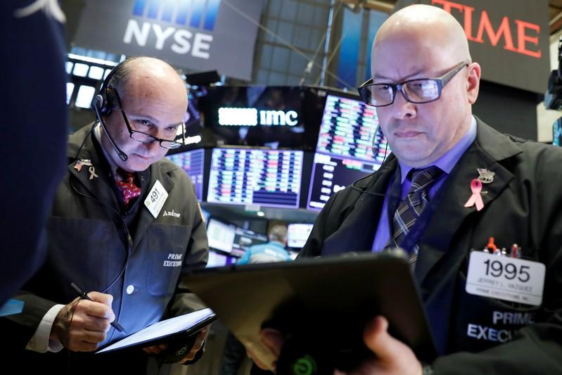 S&P 500 posts fifth week of gains as Wall St. hits records
