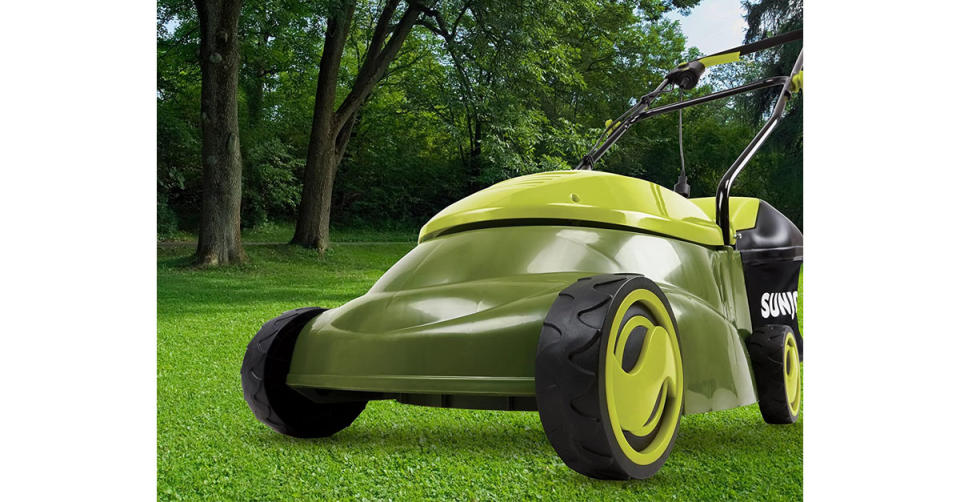 Sun Joe MJ401E-PRO 13 Amp Electric Lawn Mower w/Side Discharge Chute (Photo: Amazon)