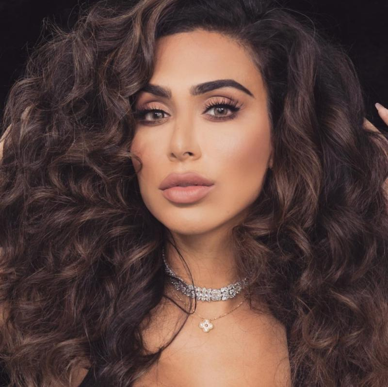 Huda Beauty swatched her upcoming liquid lipstick collection, and you'll finally be able to find your perfect nude lip