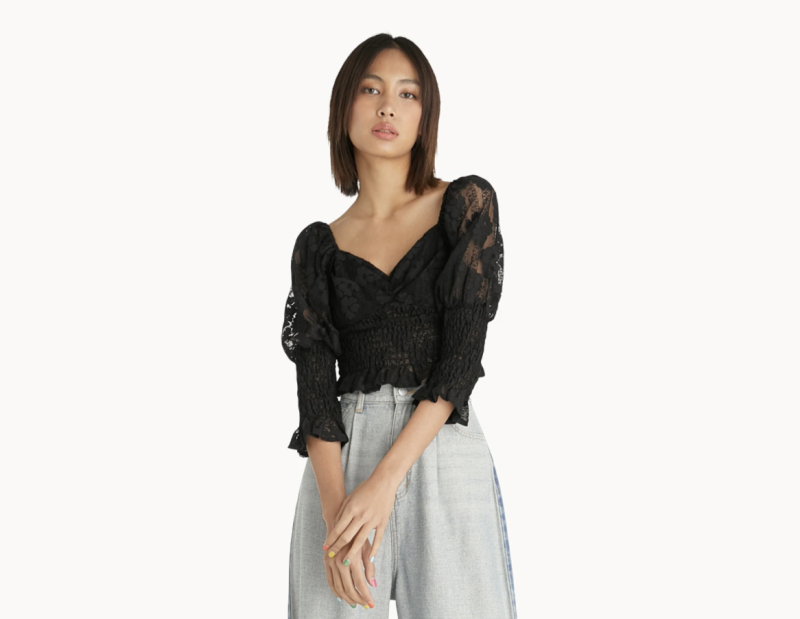 Floral Lace Sweetheart Smock Top. (PHOTO: Pomelo)