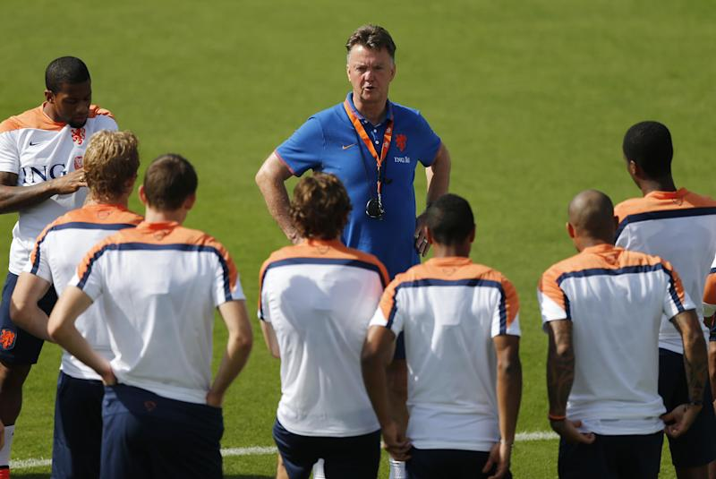 5 Dutch regulars skip full training at World Cup