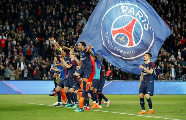 Soccer Football - Ligue 1 - Paris St Germain vs AS Monaco - Parc des Princes, Paris, France - April 15, 2018 Paris Saint-Germain players celebrate after the match after winning Ligue 1 REUTERS/Charles Platiau TPX IMAGES OF THE DAY