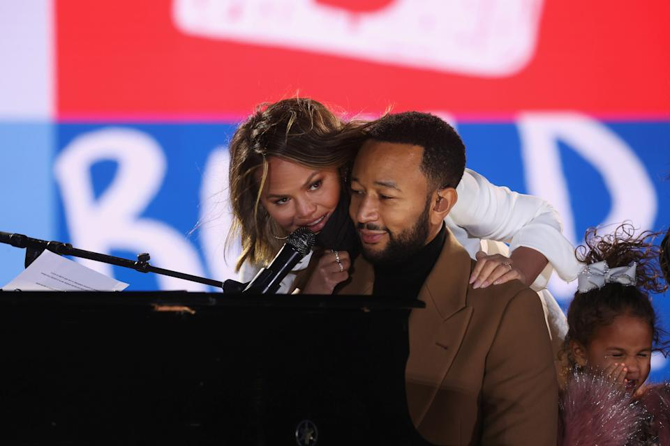 John Legend performs alongside Chrissy Teigen and family in Philadelphia, ahead of remarks by Kamala Harris on the eve of the 2020 presidential election. (Photo: Reuters/Jonathan Ernst)