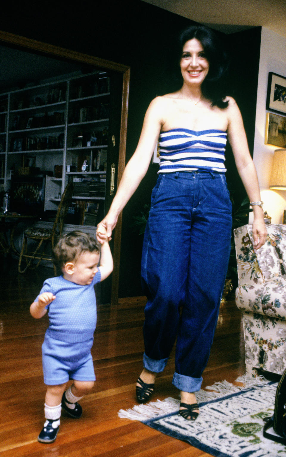 The Spanish actress Concha Velasco with her son, 27th June 1980, Madrid, Spain. (Photo by Gianni Ferrari/Cover/Getty Images).