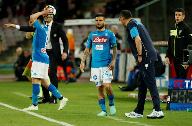 Soccer Football - Serie A - Napoli vs Udinese Calcio - Stadio San Paolo, Naples, Italy - April 18, 2018 Napoli's Lorenzo Insigne receives instructions from coach Maurizio Sarri REUTERS/Ciro De Luca