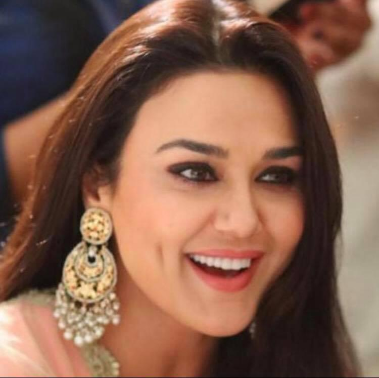 <p>Bollywood's dimpled darling made a stunning appearance in Mani Ratnam's 1997 hit <em>Dil se</em> and success followed her as she played Bobby Deol's love interest in <em>Soldier</em>. The actress had however signed up with Shekar Kapoor to debut with his directorial Tara Rum Pum. No, don't mistake it for the Rani and Saif starrer of the same name. Kapoor's movie was in talks for the longest time before getting shelved for good. </p>