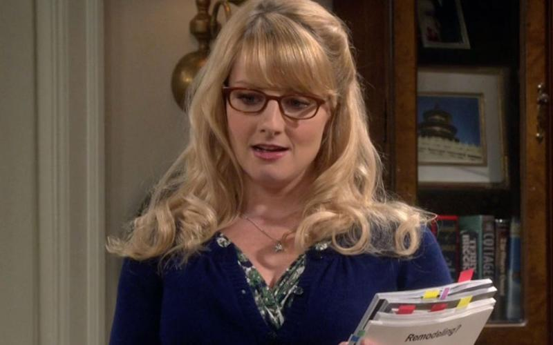 """89ae380d47d Bernadette from """"The Big Bang Theory"""" is a stunning red carpet genius IRL"""