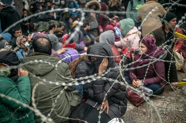 Some 13,000 migrants massed at Turkey's border with Greece over the weekend a (AFP Photo/BULENT KILIC)